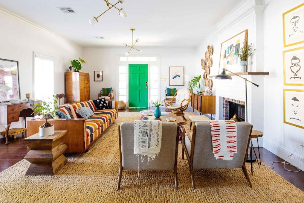 Tour this colorful vintage modern home #boho #bohodecor #eclecticdecor #homedecor #vintagedecor #vintagemodern #midcenturymodern #mdcentury