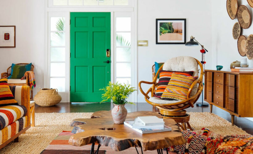 Eclectic Home Tour of Old Brand New kellyelko.com #hometour #bohodecor #boho #colorlovers #colorful #eclecticdecor