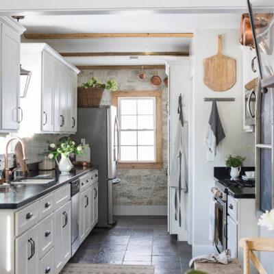 Eclectic Home Tour Pine and Prospect Home kellyelko.com #farmhousedecor #farmhousekitchen #galleykitchen #housetour #hometour