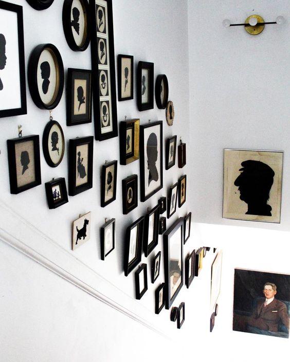 Love this vintage silhouette gallery wall on a staircase wall #silhouettes #vintagesilhouettes #vintageart #vintagedecor #collections #collector #collected #blackandwhite #farmhousedecor