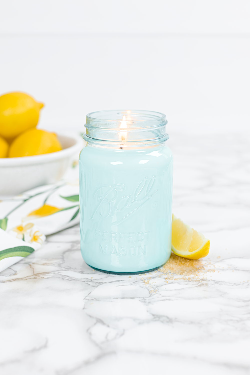 These made in America small batch candles using the finest ingredients are the absolutely best smelling candles I've ever smelled kellyelko.com #candles #candle #giftsforher #giftguide #farmhouse #masonjar #masonjardecor #farmhousedecor #fixerupper #vintagedecor #vintagestyle