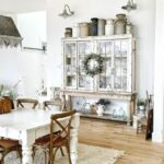 Eclectic Home Tour Sweet Pickins kellyelko.com #farmhouse #farmhousedecor #hometour #housetour #fixerupper #vintagedecor #collections #diningroom