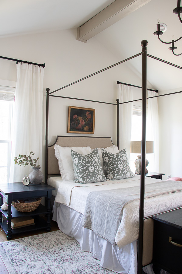 Master bedroom with high ceilings and four poster bed #masterbedroom #bedroomfurniture #bedroomdecor #neutralbedroom #farmhousebedroom #vintagemodern #farmhouse
