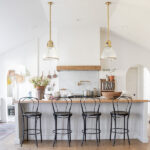 Eclectic Home Tour Seeking Lavender Lane kellyelko.com #hometour #housetour #kitchen #farmhousedecor #farmhousekitchen