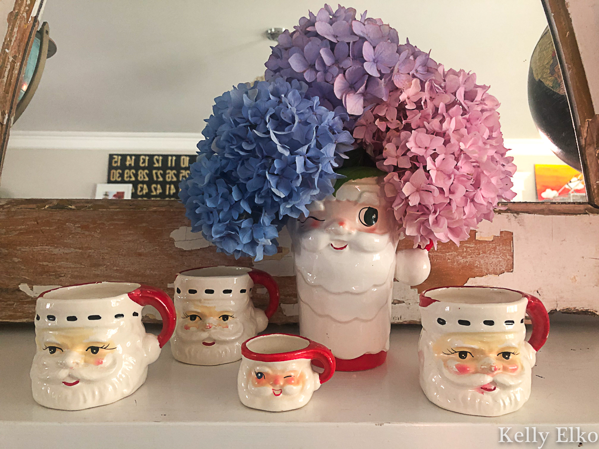 Cute vintage Santa mugs and a Holt Howard pitcher kellyelko.com #christmas #vintagechristmas #christmasdecor #santa #vintagesanta #santamug #holthoward #collections #vintagecollection #christmasdecor