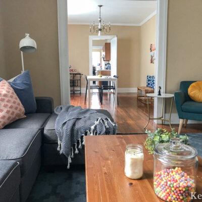 How to furnish a college apartment cheap kellyelko.com #college #dorm #collegeapartment #apartmentdecor #apartmentfurniture
