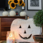 Vintage fall decor kellyelko.com #fall #falldecor #pumpkindecor #whitepumpkin #sunflowers #eclecticdecor