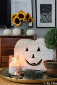 Vintage fall decor kellyelko.com #fall #falldecor #pumpkindecor #whitepumpkin #sunflowers #eclecticdecor