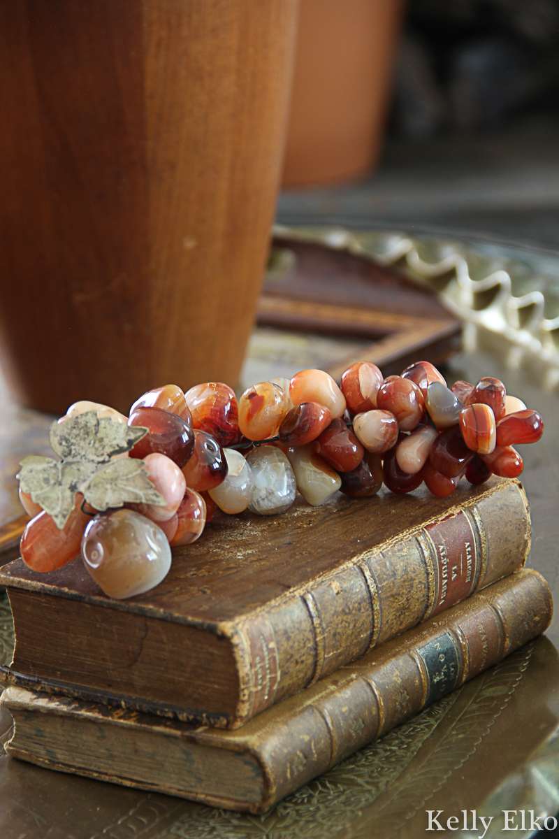 Love this vintage grape cluster kellyelko.com #grapes #vintagedecor #vintage #eclecticdecor #fall #falldecor