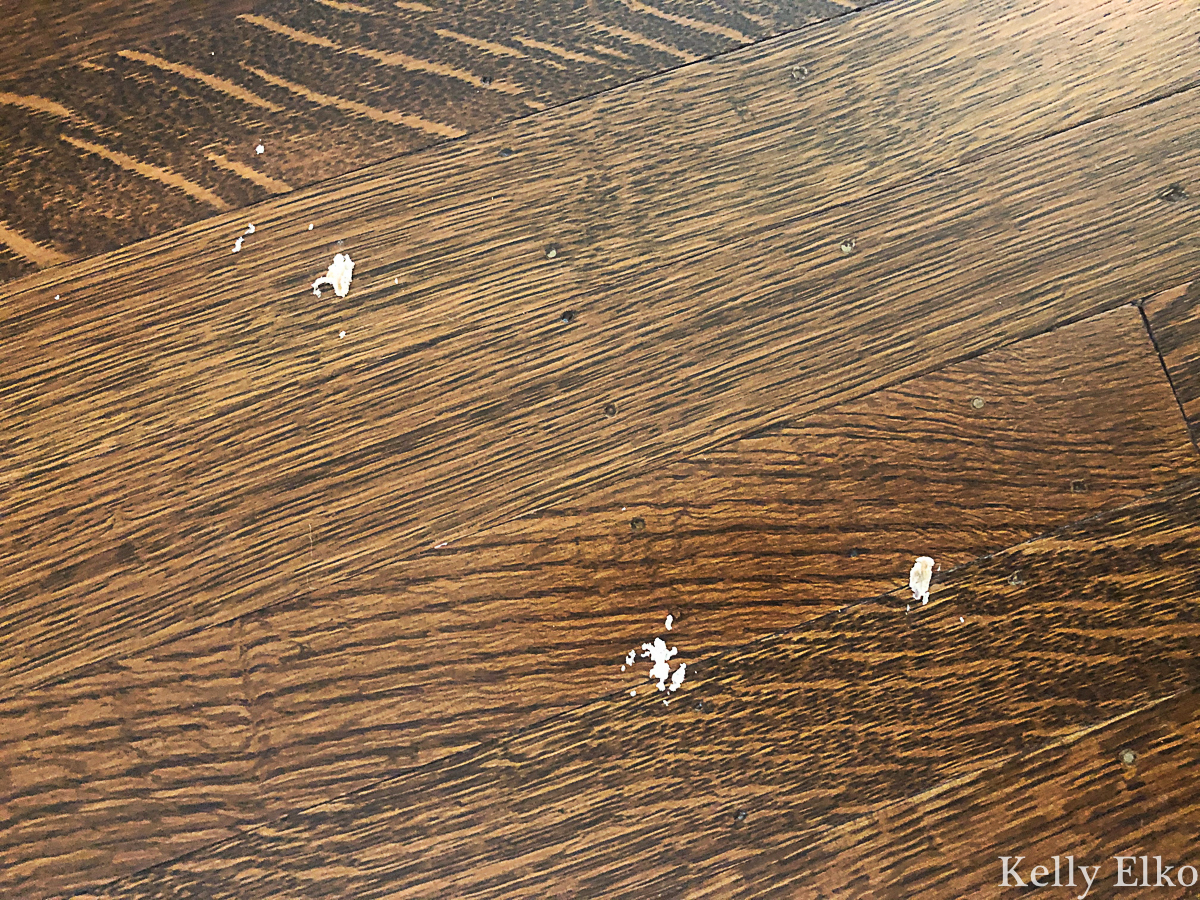 Don't let rugs ruin your hardwood floors! See how to protect your floors kellyelko.com #rugs #hardwoodfloors #hardwood #floormaintenace #tipsandtricks #decor