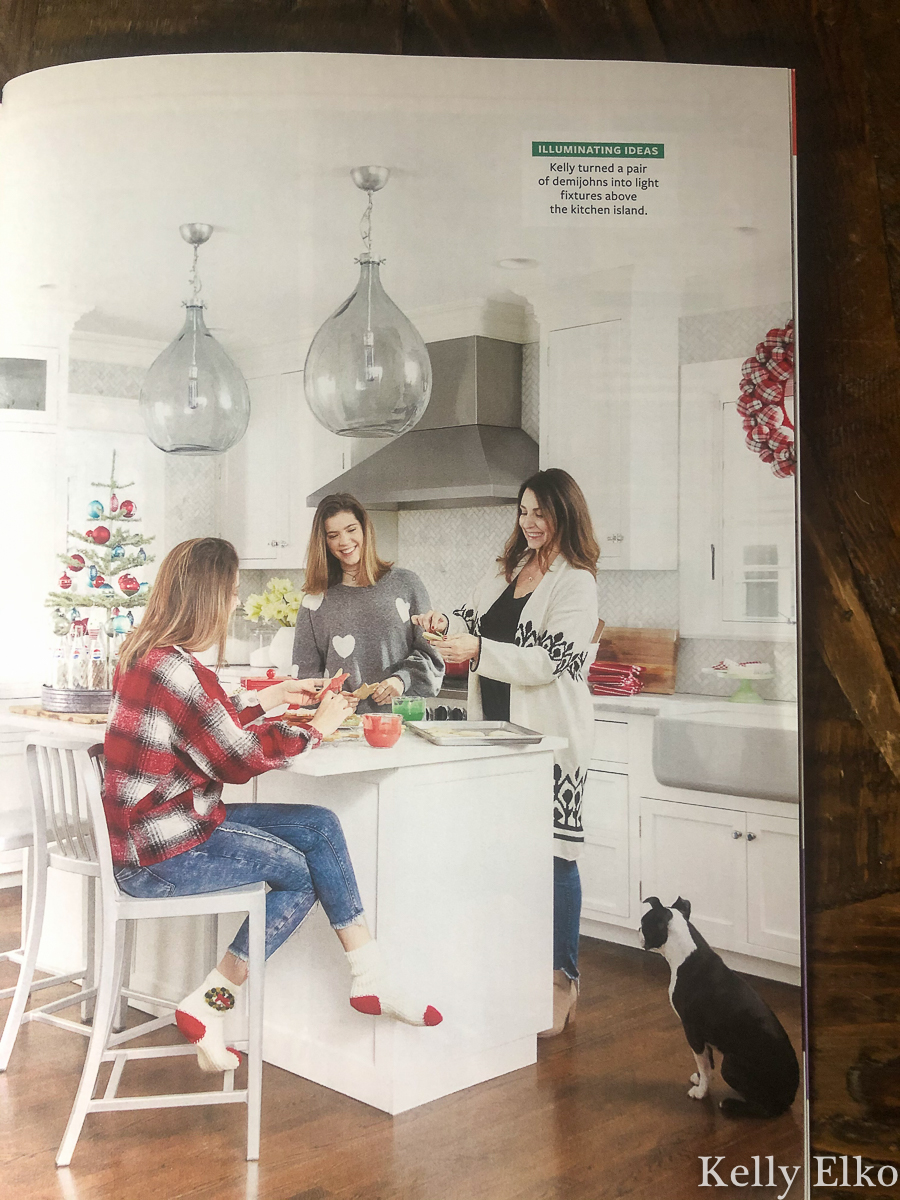 I love this beautiful Christmas feature in Better Homes & Gardens kellyelko.com #christmas #christmasdecor #christmasdecorating #christmaskitchen #farmhousekitchen #familychristmas