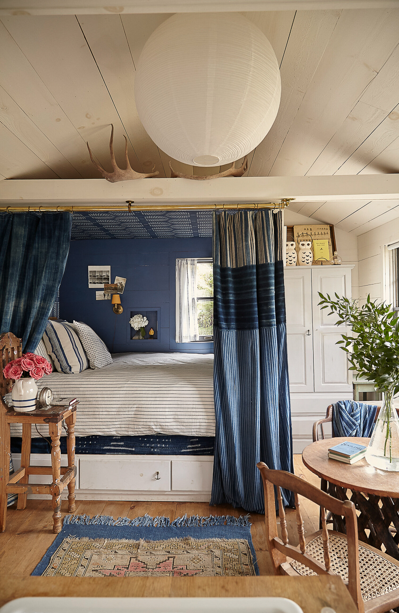 Love this cozy bed nook with wallpapered ceiling kellyelko.com