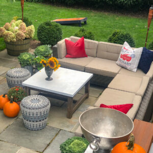 Fall Patio Tour kellyelko.com #fall #falldecor #fallpatio #outdoordecor #outdoorfurniture #fallparty