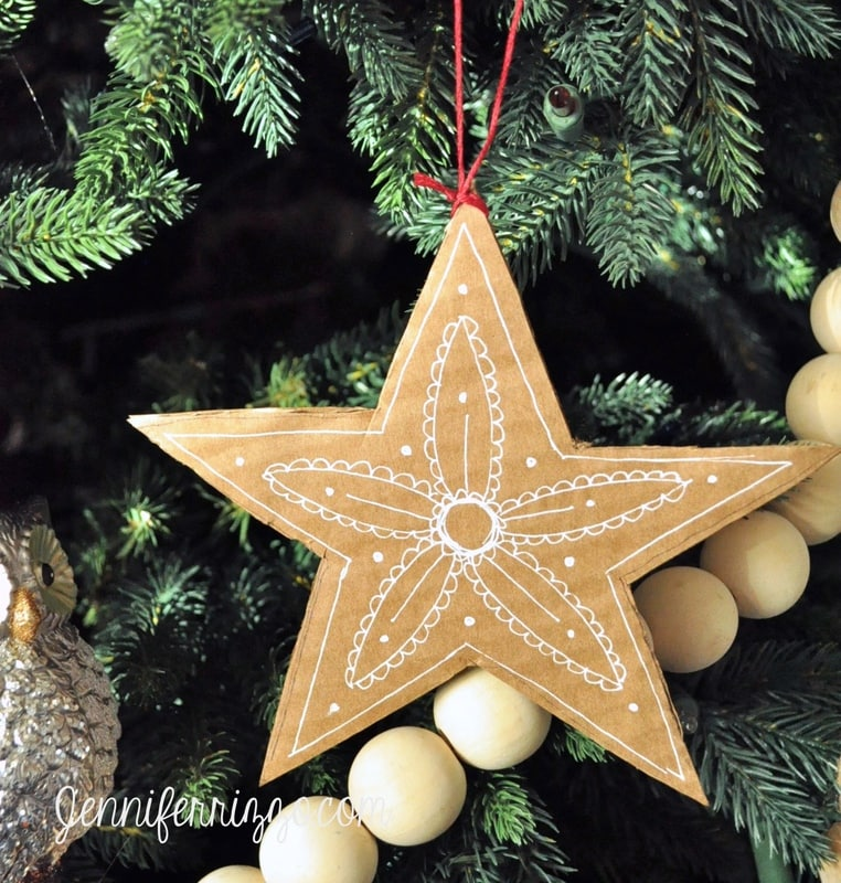 Unique DIY Ornaments - I love the simplicity of this cardboard star