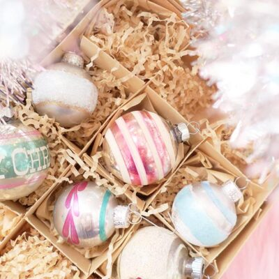 Unique DIY Christmas Ornaments kellyelko.com #christmas #diychristmas #diyornament #farmhousechristmas #vintagechristmas