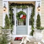 Favorite Festive Christmas Porches kellyelko.com #christmas #christmasdecor #christmasporch #farmhousechristmas #vintagechristmas #diychristmas #outdoorchristmasdecor #classicchristmas