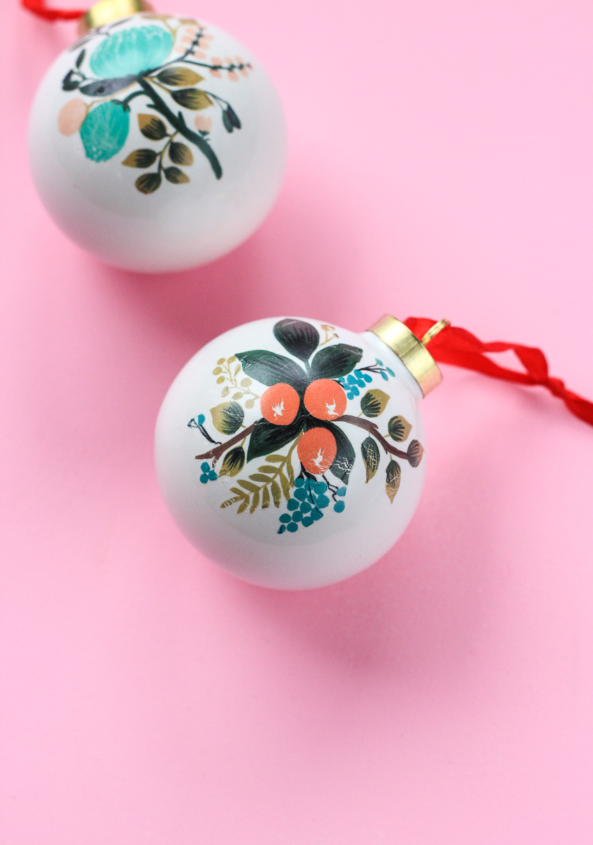 Unique DIY Ornaments - I love these made with temporary tattoos!