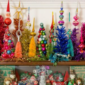 Colorful Christmas Decor #colorfulchristmas #vintagechristmas #christmasdecor