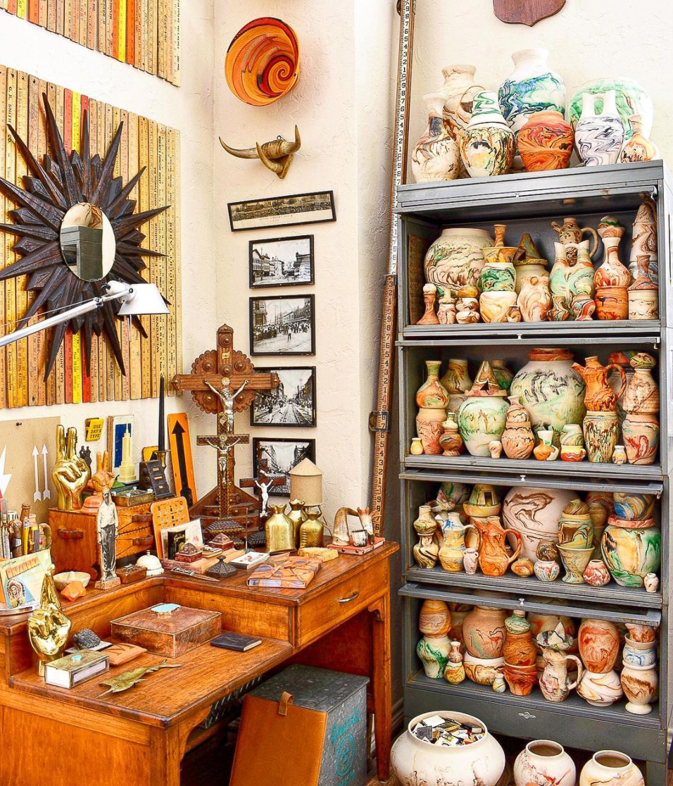 Love this collection of vintage Ozark Tourist Pottery kellyelko.com