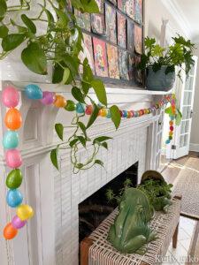 DIY Egg Garland kellyelko.com #spring #springdecor #springcrafts #eastercrafts #springmantel #egggarland