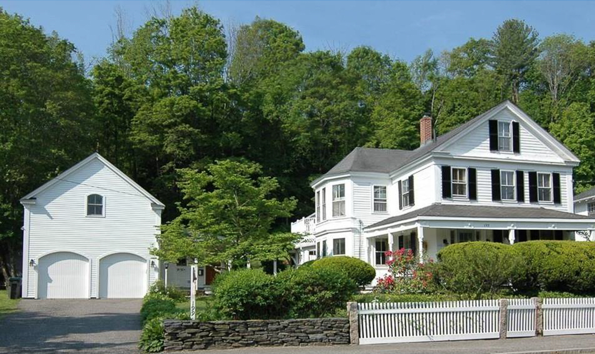 Tour of the 1800's historic Greek revival farmhouse of Moss and Blue kellyelko.com