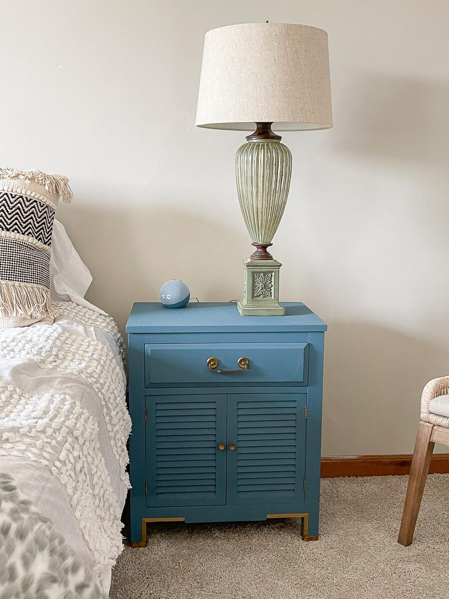 Love these vintage nightstands painted blue kellyelko.com