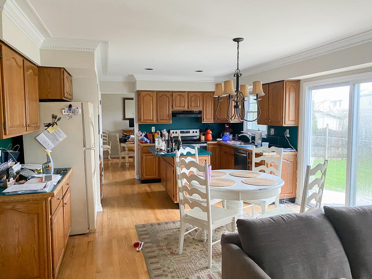 Home Staging Before Kitchen kellyelko.com