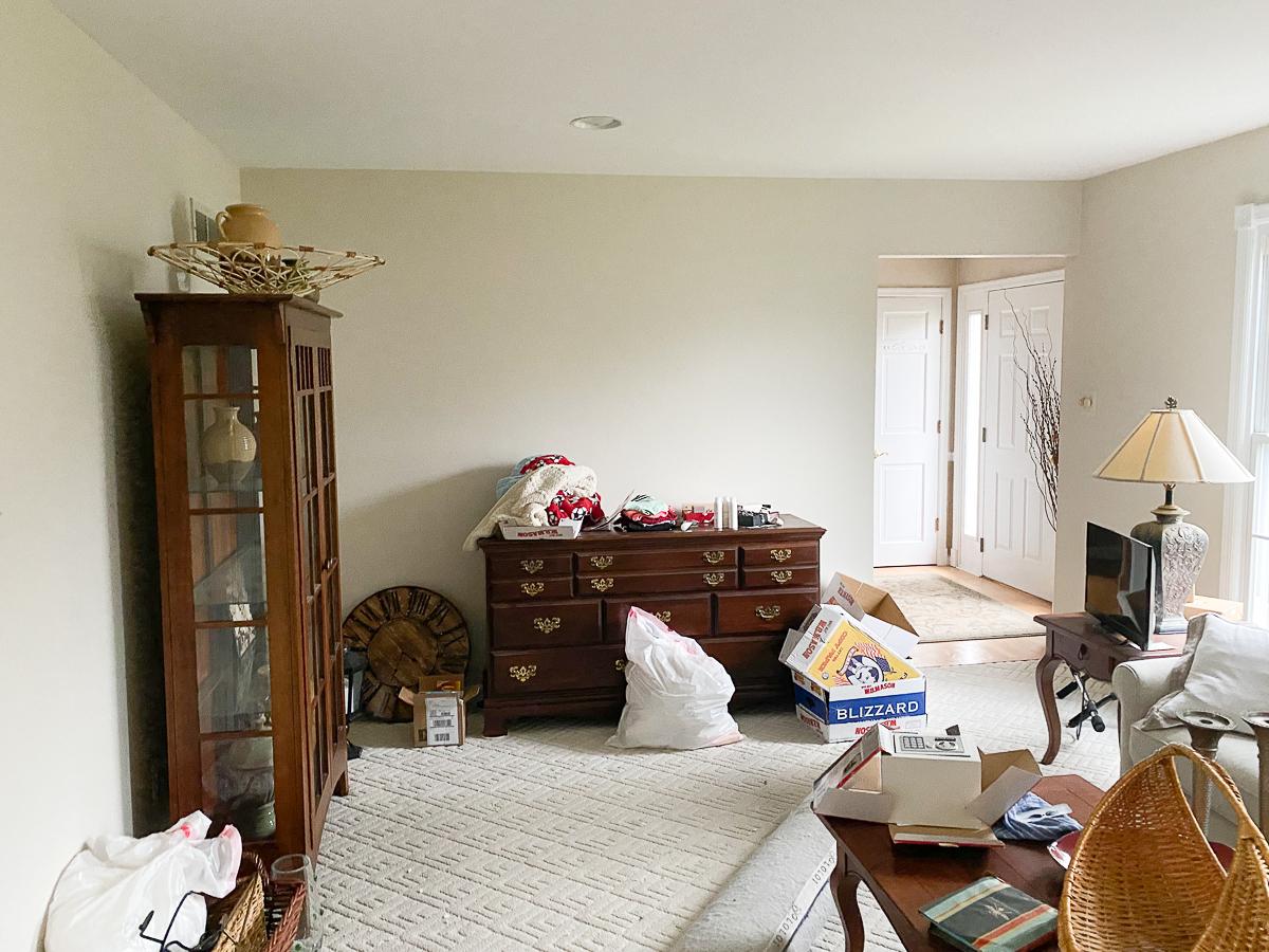 Home Staging Before Living Room kellyelko.com