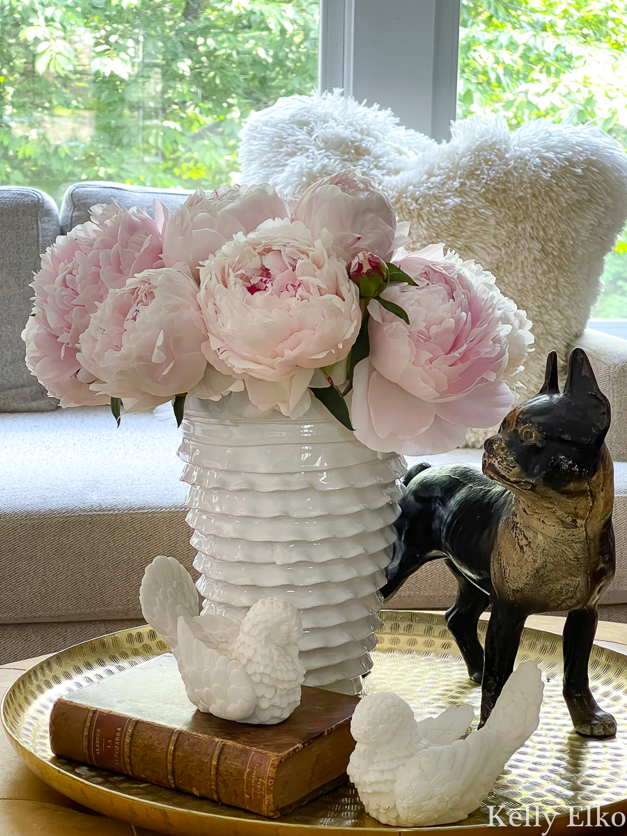 Gorgeous pink peonies kellyelko.com