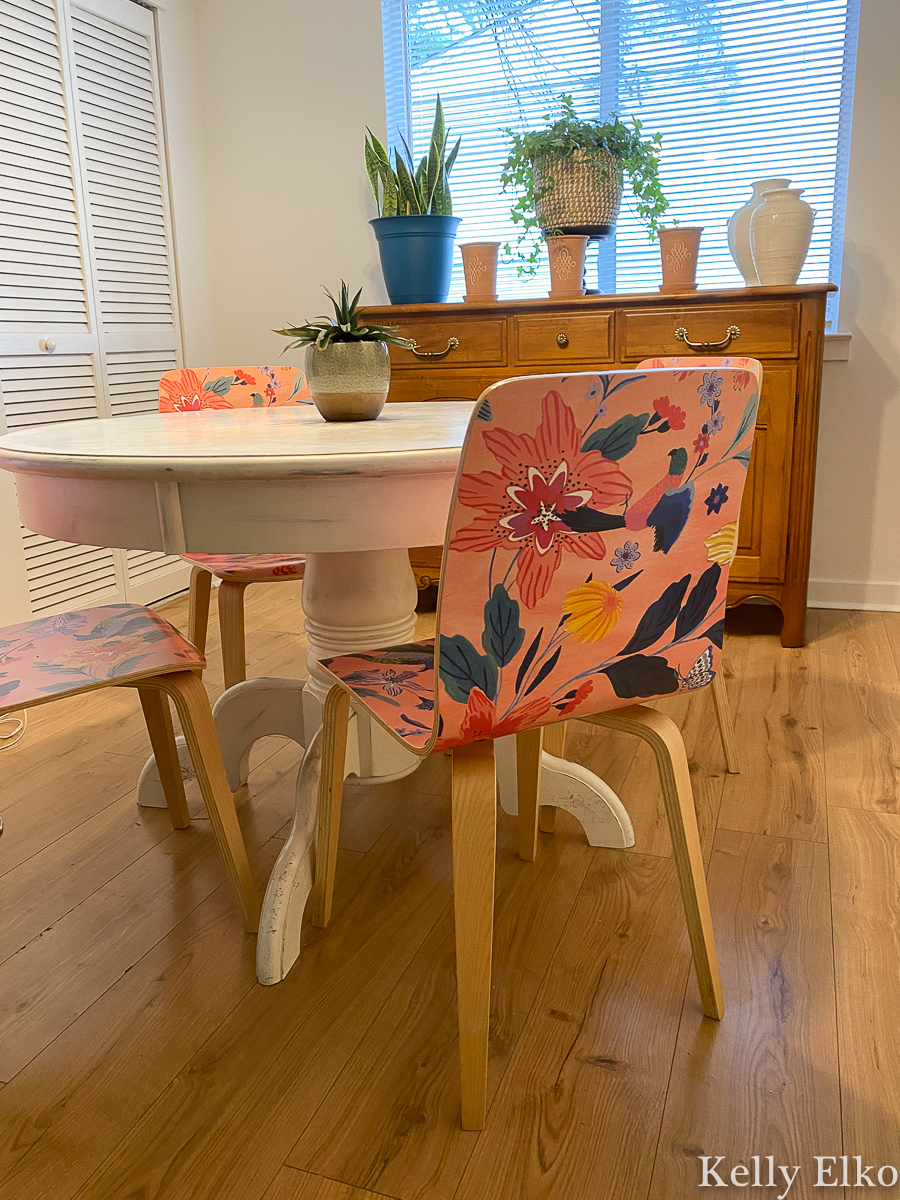 Love these Sylvie Tasmin chairs that add just the right pop of color and pattern to this kitchen kellyelko.com