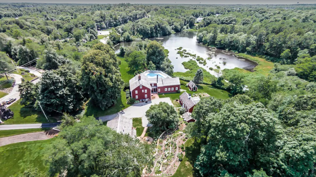 Tour the historic William Marston House on Cape Cod that has it's own pond kellyelko.com