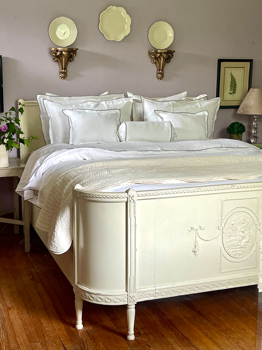 Gorgeous antique bed painted white kellyelko.com