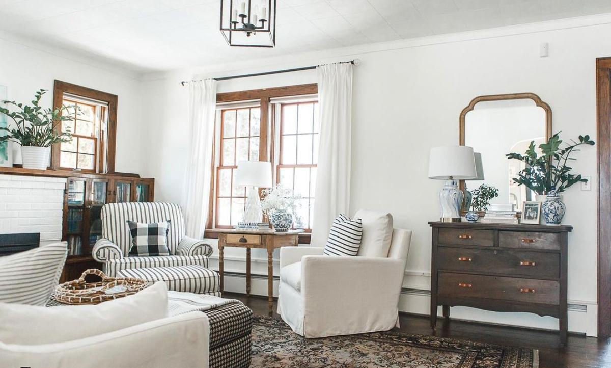 Farmhouse family room with unpainted wood trim kellyelko.com