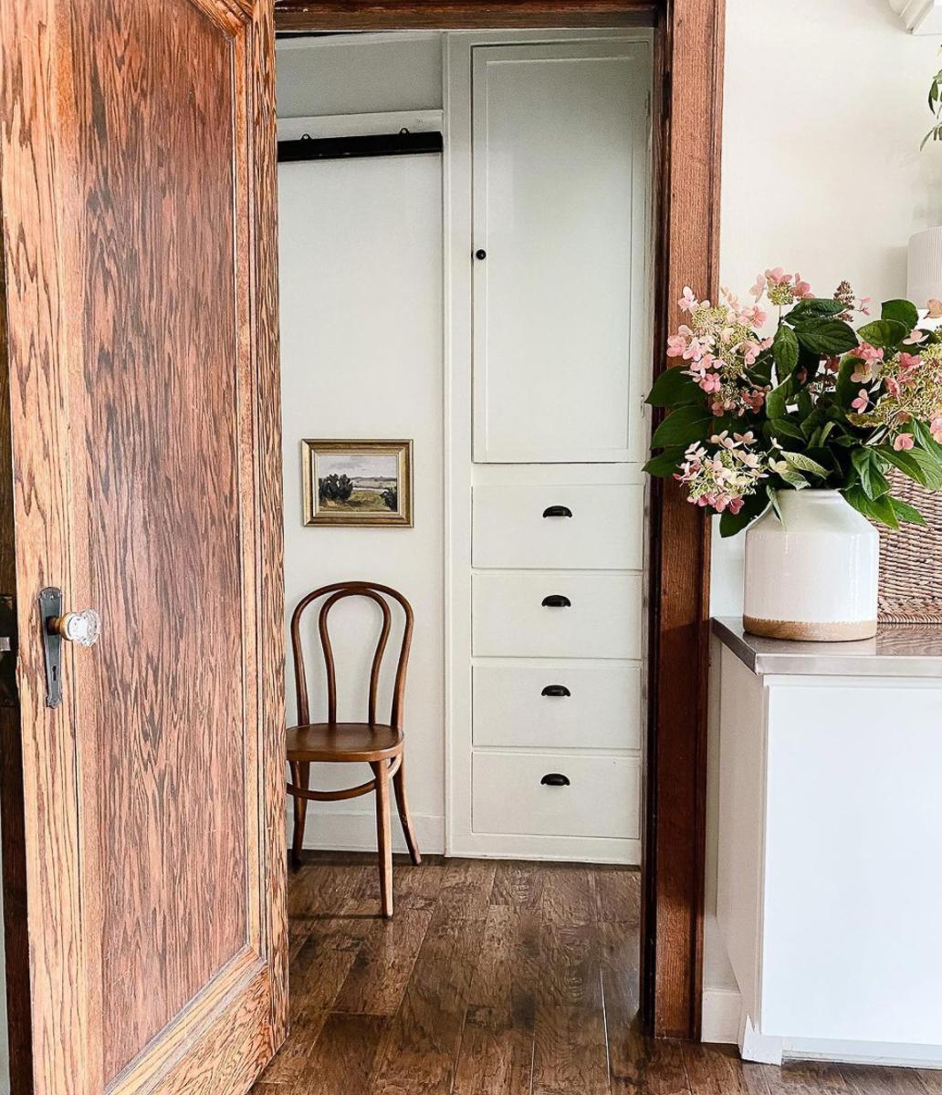 Original linen closet in this old home kellyelko.com