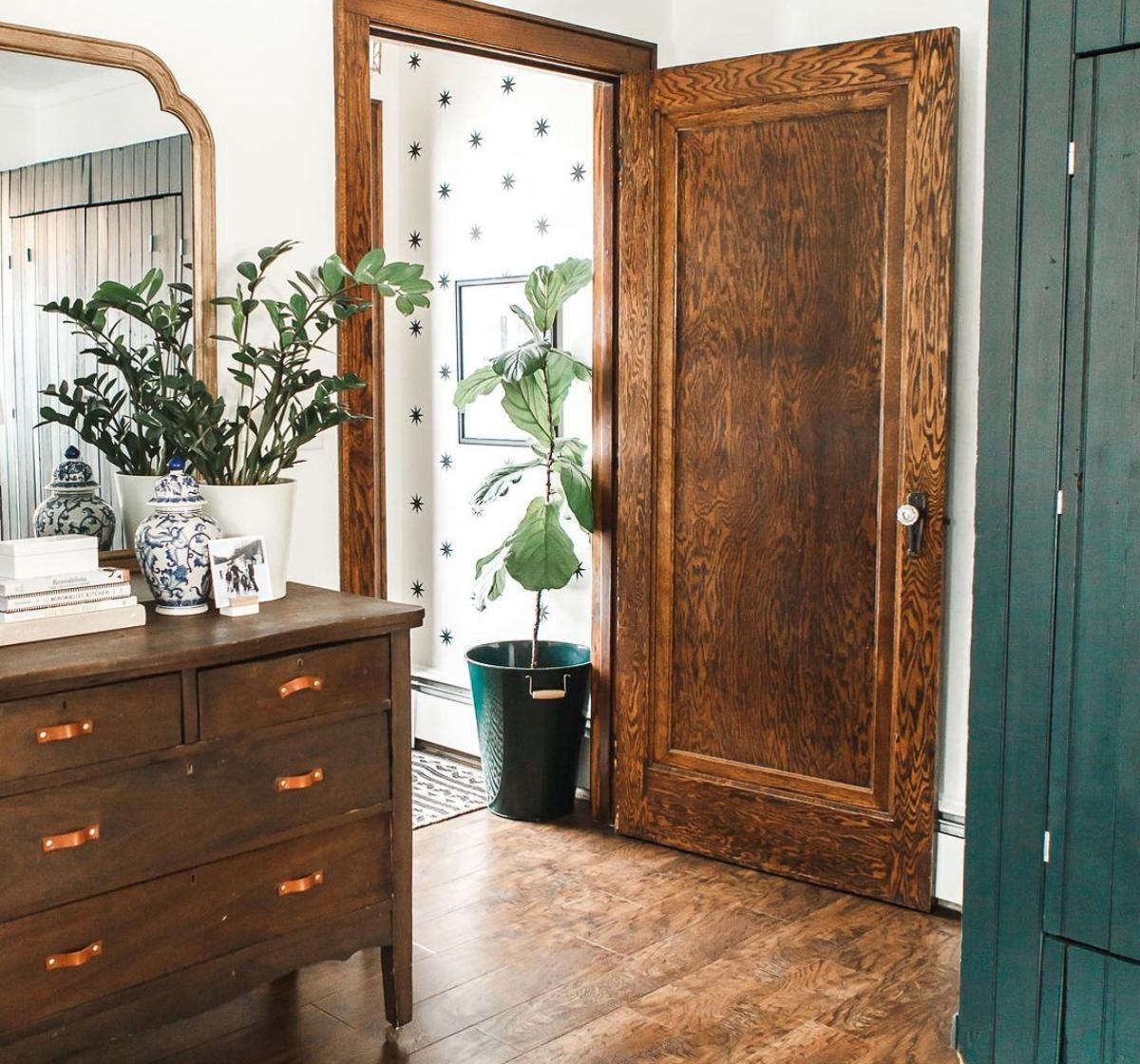 Love this charming old home with original oak doors kellyelko.com